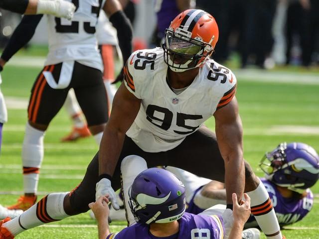 Cleveland Browns DE Myles Garrett has fun with Halloween quarterback graveyard: 'I'm kind of a troll'