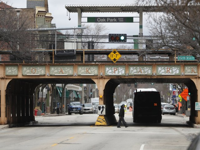 Chicago prepares for the coronavirus storm, hoping to stay above the surge