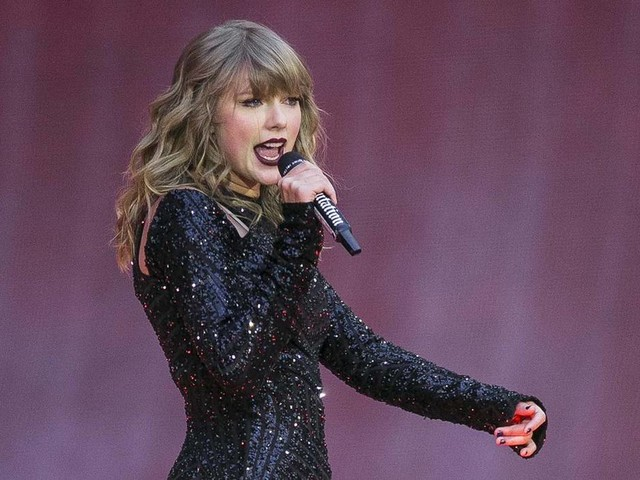 Taylor Swift breaks silence on politics, backs Tennessee Dems