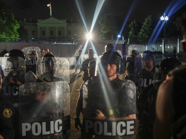 """A Whistleblower Reveals Federal Agents Tried To Use A """"Microwave Weapon"""" On Protestors"""