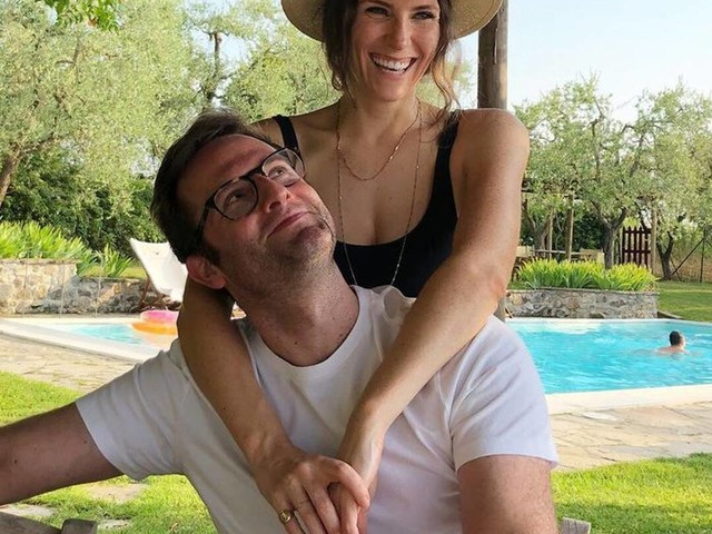 Schitt's Creek Star Sarah Levy Marries Actor Graham Outerbridge
