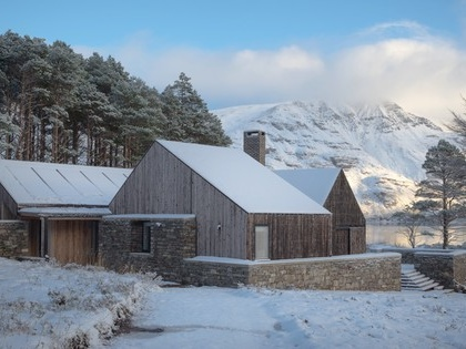 """RIBA house of the year is an off-grid """"sustainable"""" gem"""