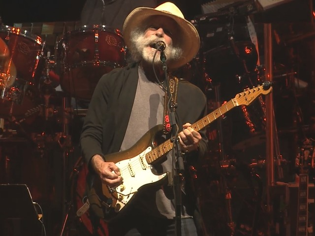 Dead & Company Performs 'Spanish Jam' & More At Wrigley Field Finale