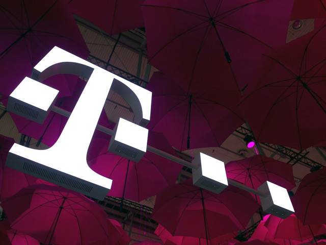 Massive bug exposed T-Mobile subscriber account data to anyone with your phone number
