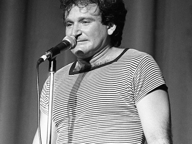 Review: A Serious Look at the Life of Robin Williams