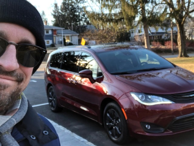 I drove a $50,000 Chrysler Pacifica Hybrid minivan to find out if it's still better than Honda's and Toyota's offerings — here's the verdict (FCAU)