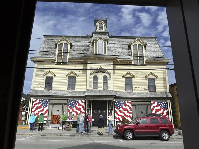 Robert Indiana's home transferred to Star of Hope Foundation
