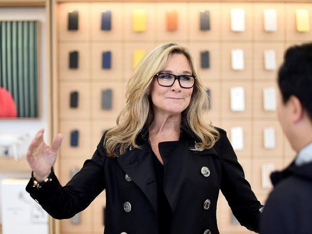 How to succeed at work, according to Angela Ahrendts, who was one of Apple's highest-paid executives (AAPL)