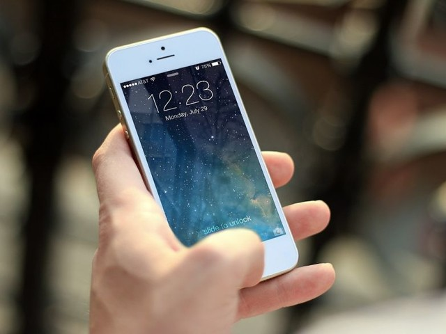 Your iPhone is Secretly Talking to Things and Reporting Your Activities and Information to Data Trackers