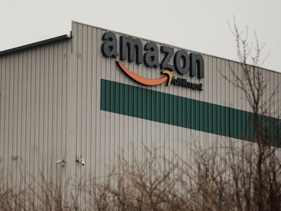 """""""They Were Way Too Late"""" - Amazon Skimped On Safety At PA Warehouse Where 1,000 Workers Fell Ill: NYT"""