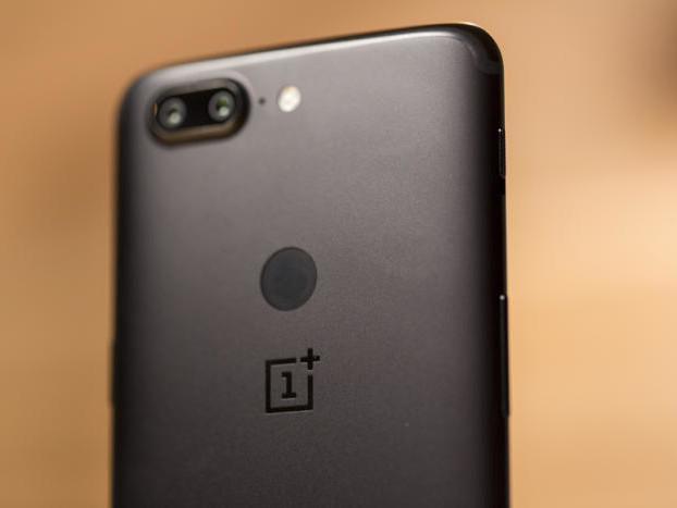 OnePlus 5T review: A $500 mid-range phone with the heart of a $900 flagship