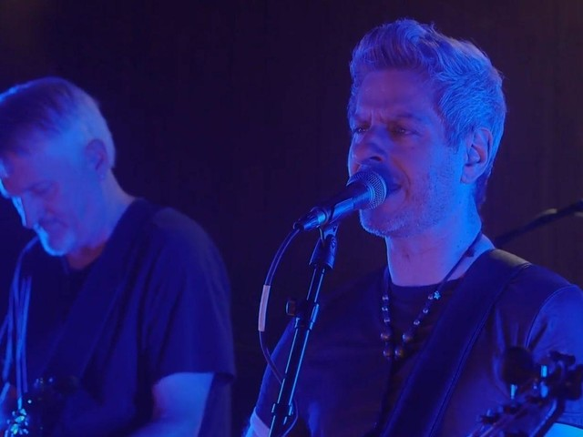 Pro-Shot Video: Mike Gordon Performs 'Victim' & 'Steps' For 'AVC Sessions'