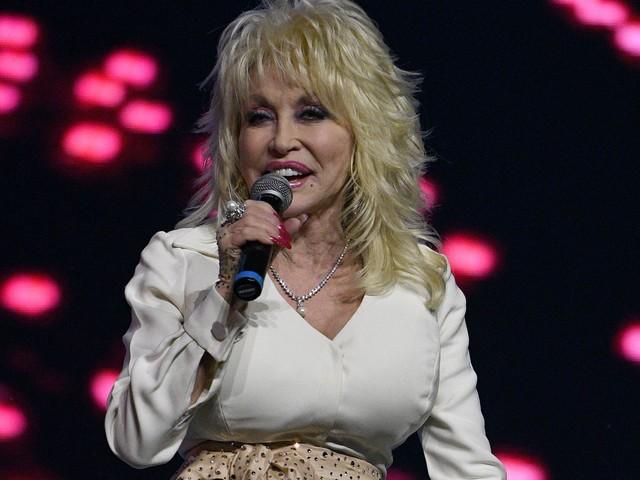 Dolly Parton donates money, books to 2017 hurricane victims