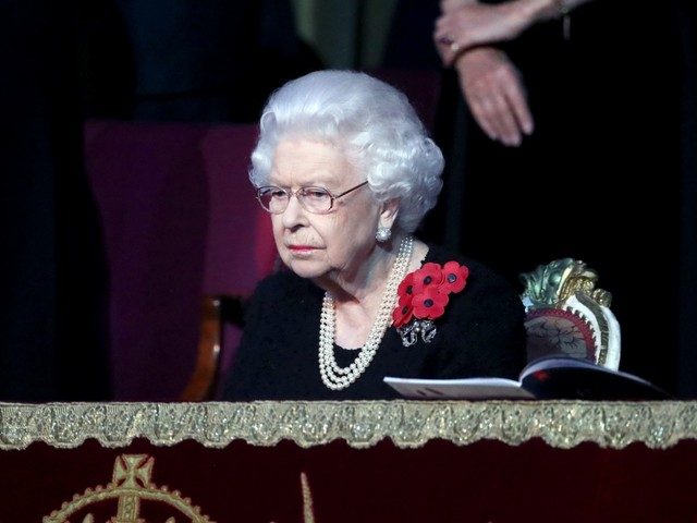 Peter Hunt: The Queen will look 'remarkably churlish' if she strips the Sussexes' titles