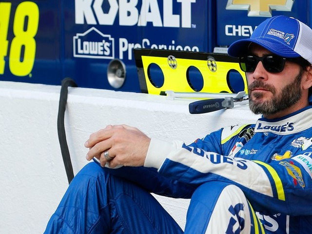Don't count Jimmie Johnson out in his pursuit of record 8th NASCAR Cup championship