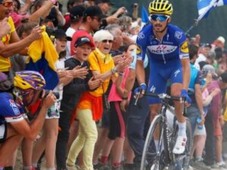 Alaphilippe keeps France celebrating with Tour stage win