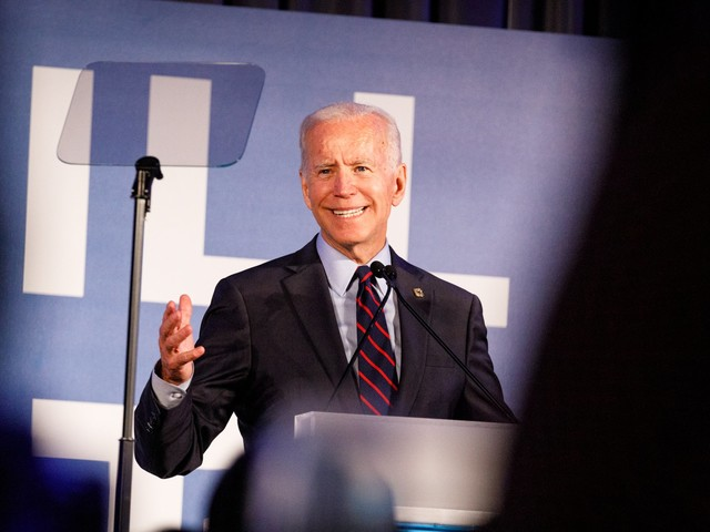 Democratic candidates are close behind Joe Biden in a new Iowa poll