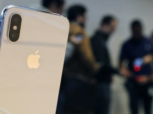 A Common Charger for All Phones? The European Union Is on the Case