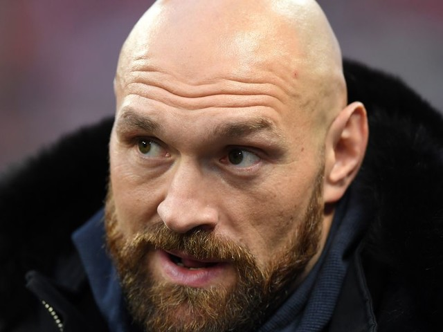 Video: Fury trains with Till in hope of MMA move