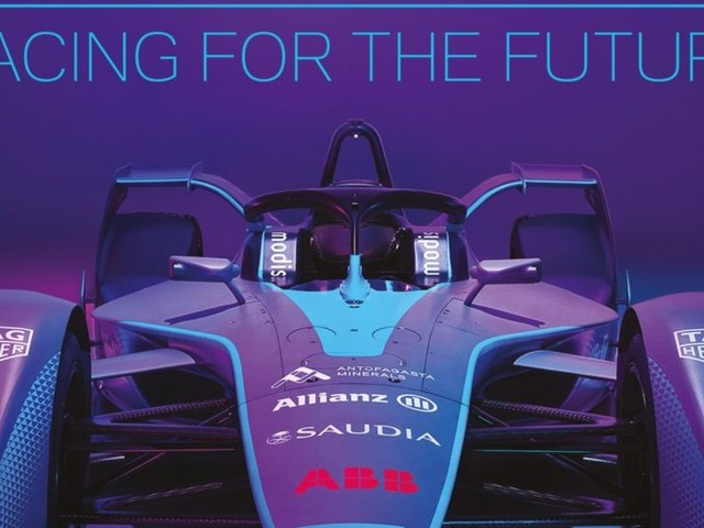 FORMULA E RACING FOR THE FUTURE Behind-the-scenes Insights