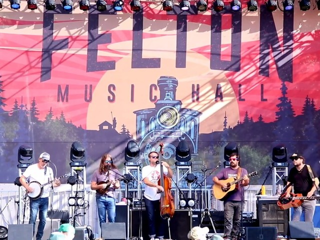 Greensky Bluegrass Covers Bobby Hebb's 'Sunny' In California