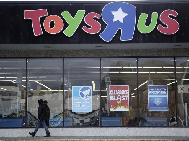 Toys R Us Is Closing for Good. Here's How to Cash in on Liquidation Sales