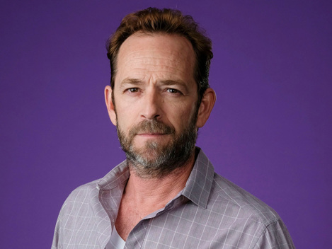Luke Perry's Final 'Riverdale' Scene Revealed 7 Weeks After His Death & Fans Are Weeping