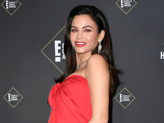 Jenna Dewan's Daughter Kisses Her Baby Bump in Cute New Photo!