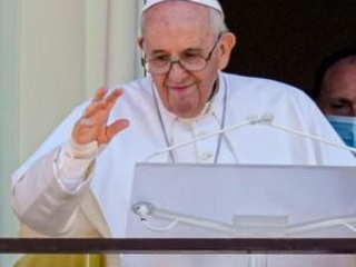 Pope to UN forum: Hunger is 'crime' violating basic rights