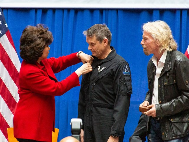 With shiny new badges, Virgin Galactic pilots join elite group of commercial astronauts