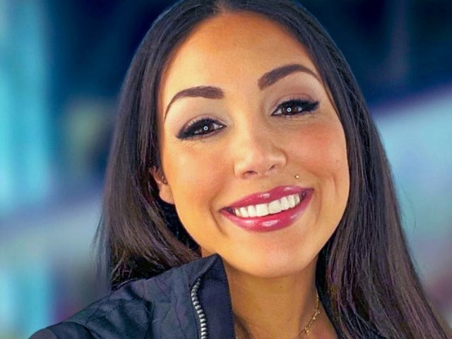 Meet the 32-year-old Palantir employee and TikTok star who will soon become one of the youngest mothers to ever travel to space