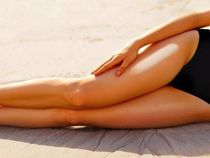 Whoa! This Model's Killer Legs Are Craaaaazy Long