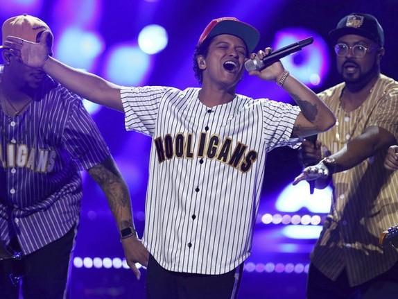 Bruno Mars creates '24K Magic' inside The Q on Tuesday night