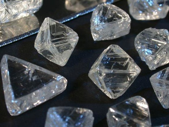 Diamond Crisis Worsens As De Beers Signals Rough Times Ahead