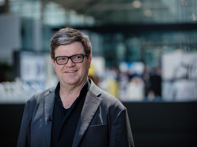 Neural-Network Pioneer Yann LeCun on AI and Physics