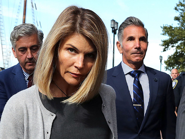 Lori Loughlin claims evidence was withheld in admissions scandal trial