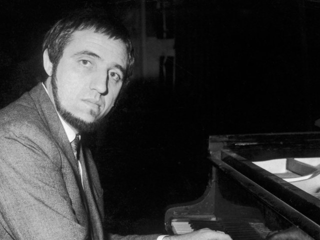 Jacques Loussier, Pianist Who Jazzed Up Bach, Dies at 84