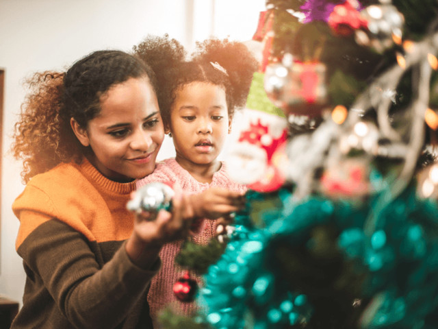 How to Simplify Your Holiday Celebration and Save Your Sanity