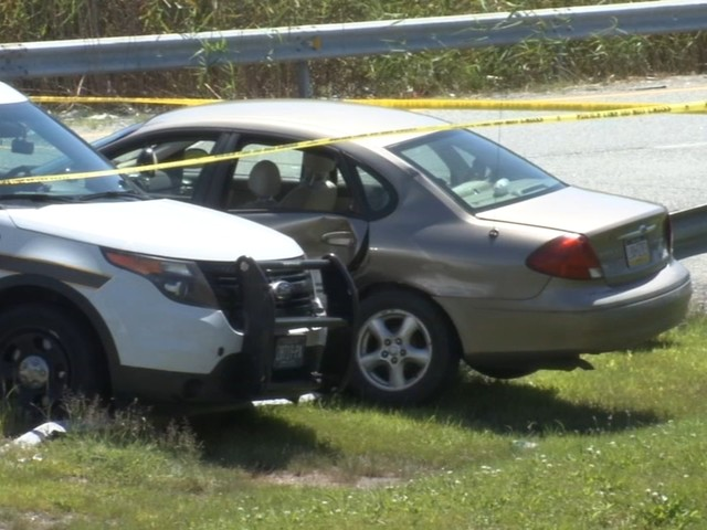 Suspect shot after police chase ends in crash in Delaware County