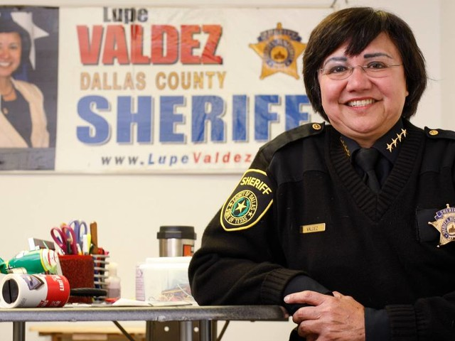 Dallas County Sheriff Lupe Valdez says she hasn't resigned for run for governor