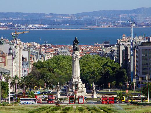 United: Phoenix / Dallas – Lisbon, Portugal. $581 (Regular Economy) / $461 (Basic Economy). Roundtrip, including all Taxes