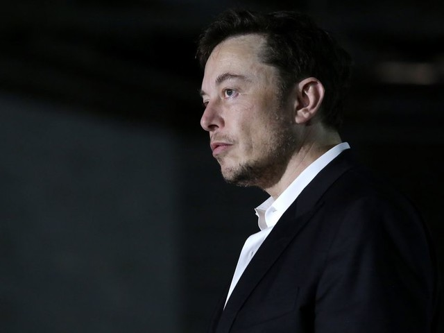 Elon Musk tweets dumb meme as SEC asks judge to hold him in contempt
