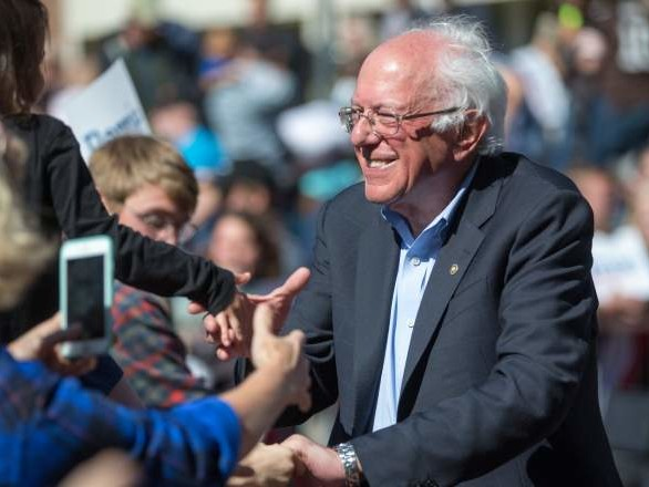 'I Like Bernie' Trends #1 on Twitter After Hillary Clinton Says No One Likes Him