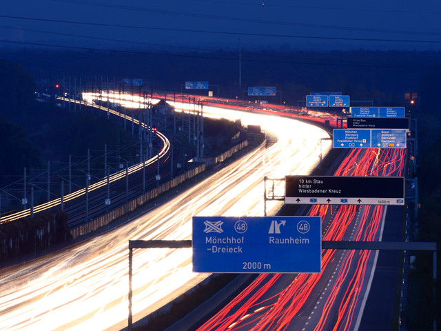 Fast Is Past: German Auto Club No Longer Opposes Speed-limited Autobahn