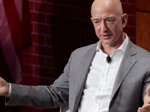 Here are the biggest analyst calls of the day: Amazon, Netflix, AT&T, Oracle, Zillow & more