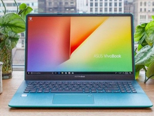 The Stylish Asus VivoBook 15 Is Now $349