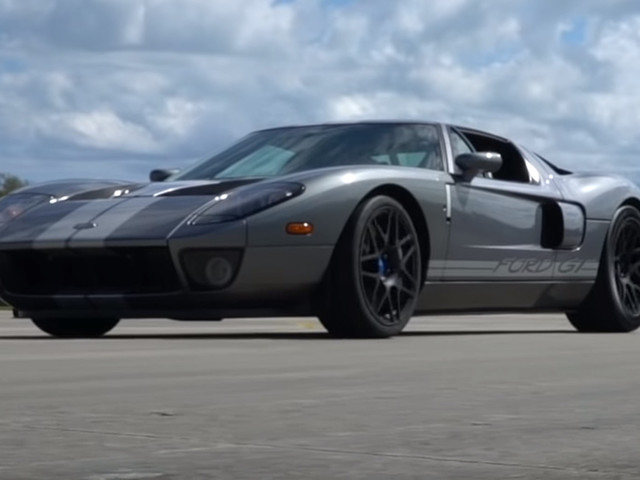 """Watch 700 HP """"Old"""" Ford GT Go Full Burner, Hit 214 MPH With Ease"""