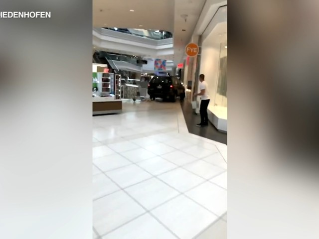 Woodfield Mall: 1 in custody after car crashes through Schaumburg mall near Chicago