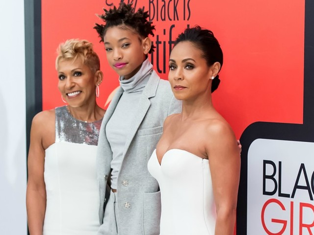 Jada Pinkett Smith, Mom Adrienne And Daughter Willow Land Talk Show For Facebook, Red Table Talk