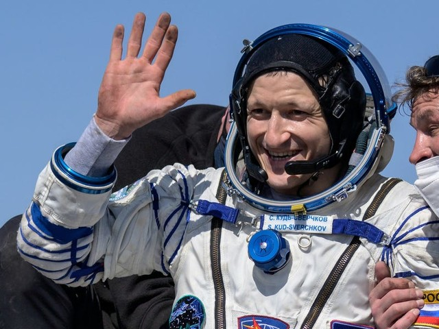 Watch 2 Russian cosmonauts and one NASA astronaut return from their visit to the International Space Station
